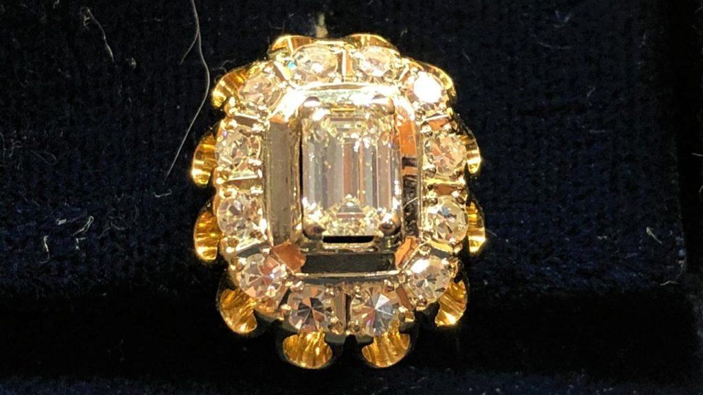 продать ювелирные украшения с бриллиантами