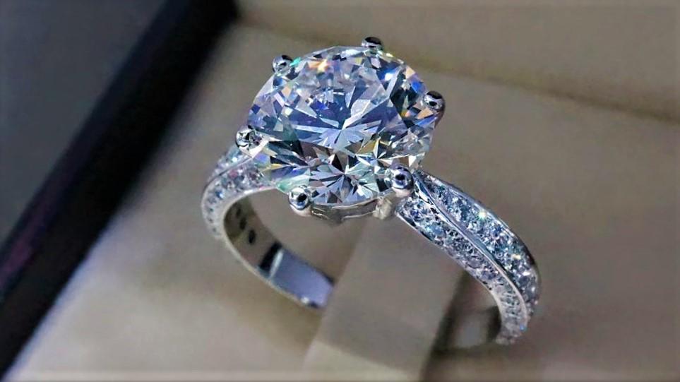 продать кольцо с бриллиантами