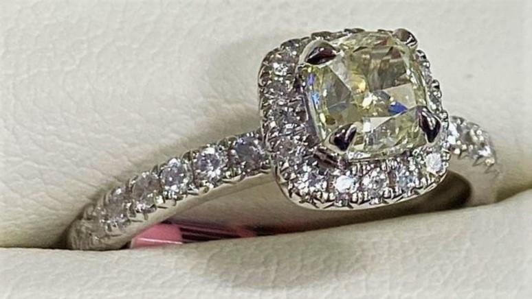 как продать кольцо с бриллиантом