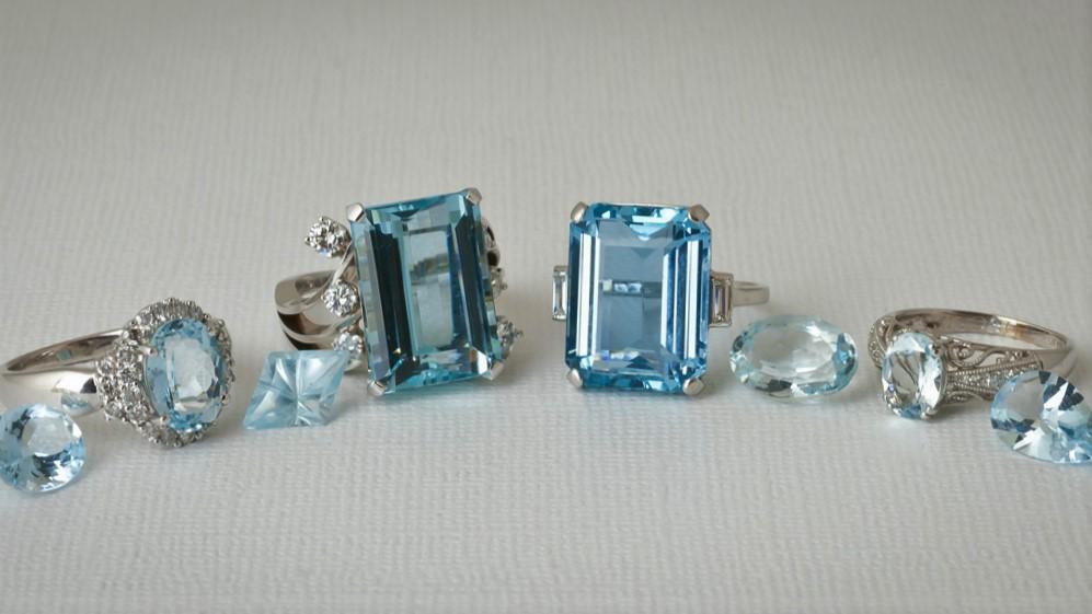 продать ювелирные изделия с драгоценными камнями