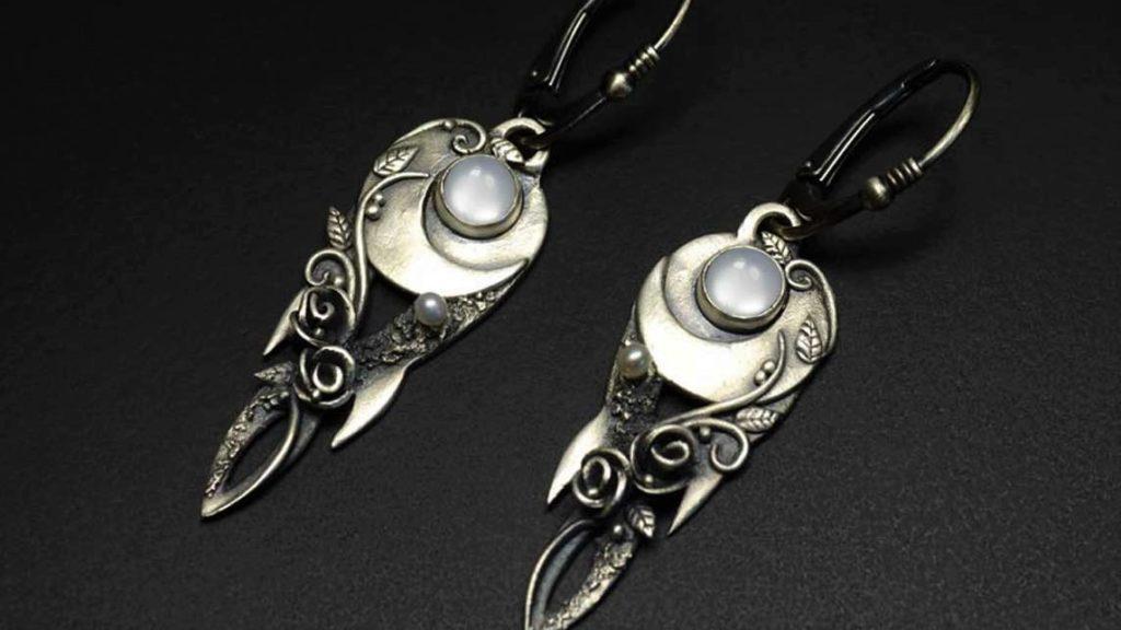 продать украшения из серебра